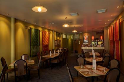 Dine in at Simply Indian restaurant, Motueka Image ©